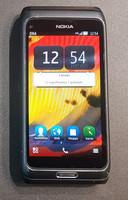 Puhelin (Nokia E7)