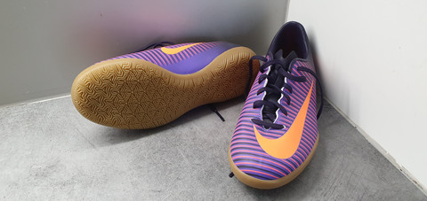 Sisäpelikengät koko 34 (Nike Mercurial X)