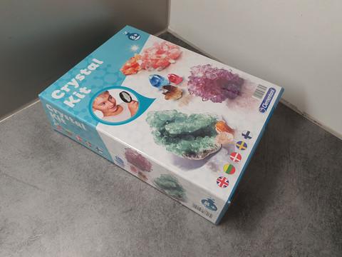Kristallisetti (Clementoni Crystal Kit)