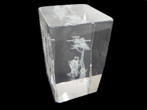 Lasinen koriste-esine (Norsut)