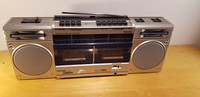 Vintage Boombox (Philips D8334)