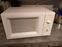 800 W mikroaaltouuni (Daewoo KOR-63D7)