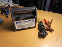 4A/12V akkulaturi (Compus 10514)