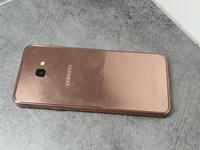 Puhelin (Samsung Galaxy J4+)