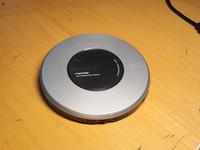 Kannettava CD -soitin (Sony Walkman D-FJ787)