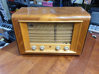 Putkiradio (Philips 591A)