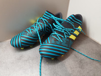Jalkapallokengät, koko 41,5 (Adidas - Nemeziz)