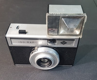 Filmikamera (Agfa Iso-Rapid I ja salama)