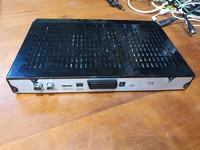 Antenniverkon tallentava digiboksi (Finnsat FST05PVR) - PUUTTEELLINEN
