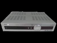 Antenni- ja satelliittiverkon tallentava digiboksi (Topfield TF5400PVR) -PUUTTELLINEN