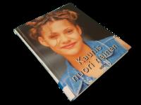Kierrätyskirja (Antonie Marquardt - Kaunis nuori nainen)