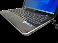 Kannettava tietokone (Fujitsu Lifebook AH531)