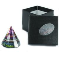 12 sivuinen maaginen pyramidi lasia 50 mm korkea - nostetta nurkkiin