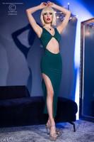 Elegantti vihreä hyvin istuva pitkä mekko kun haluat näkyä