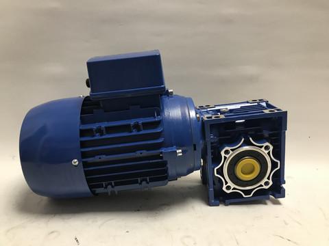 Kierukkavaihde 063 ja 0,75kW sähkömoottori 400V