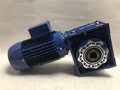 Kierukkavaihde 063 ja 1,1kW sähkömoottori 400V