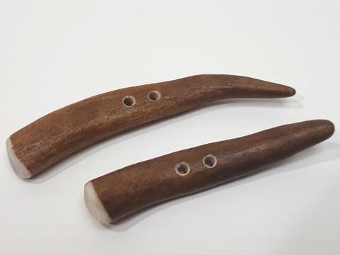 Reindeer horn tip button