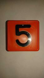 Numerolaatta kaulapantaan - numero 5 (10kpl)