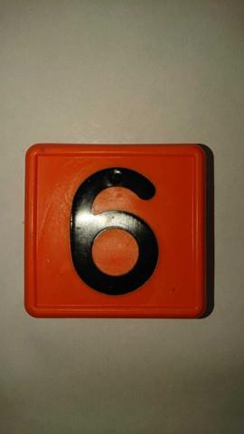 Numerolaatta kaulapantaan - numero 6 tai 9 (10kpl)