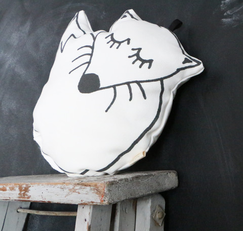TEIJA HELIN DESIGN UJO fox cushion