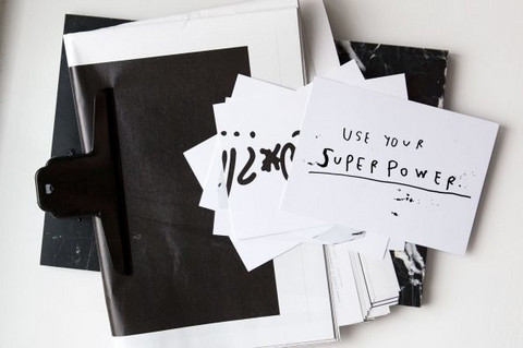 AINOA GRAPHIC DESIGN SuperPower postikortti A6