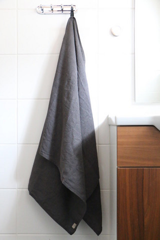 TEIJA HELIN bath towel Iätön, grey