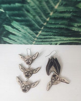 PinjaPuu LEPAKKO & 3 bat friends-earrings