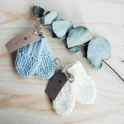 Picla Design Crocheted merino wool mittens, for the newborn