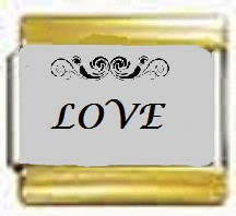 LOVE, kullanväriset reunat