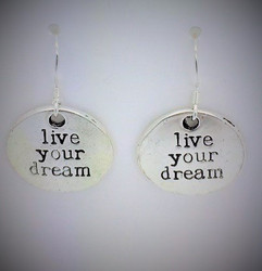 Live your dreams -korvis hopeakoukulla