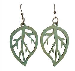 Puukorvakorut, Lehti vaaleanvihreä