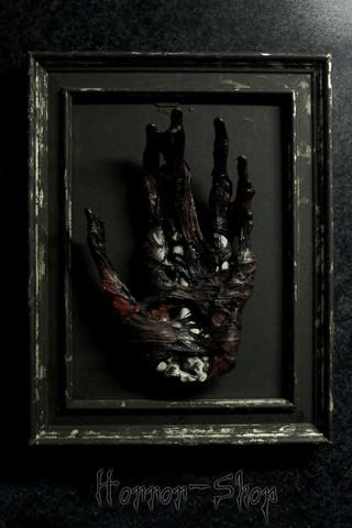 Dead mans hand (Frame 2)