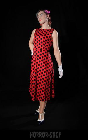 Punainen polkadot mekko