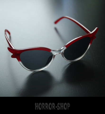 Red/glass retro cat eye sunglasses