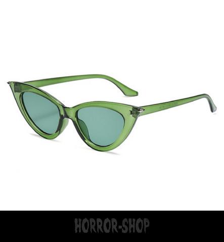 Green/glass retro cat eye sunglasses