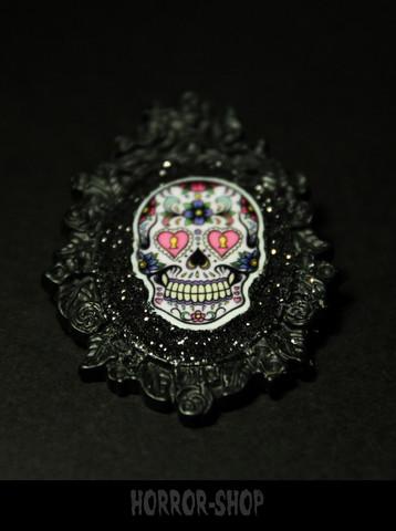 Sugarskull brooch, black, heart eyes (1)