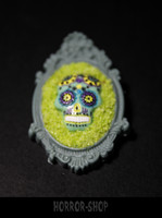 Sugarskull brooch, Strange green (14)