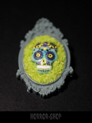 Sugarskull brooch, Strange green (14)