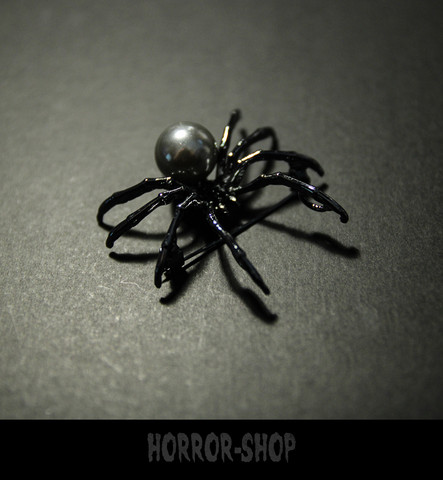 Spiderella brooch