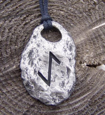 Iwaz - Rune talisman