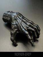 Noidan käsi, ripustuskoukulla