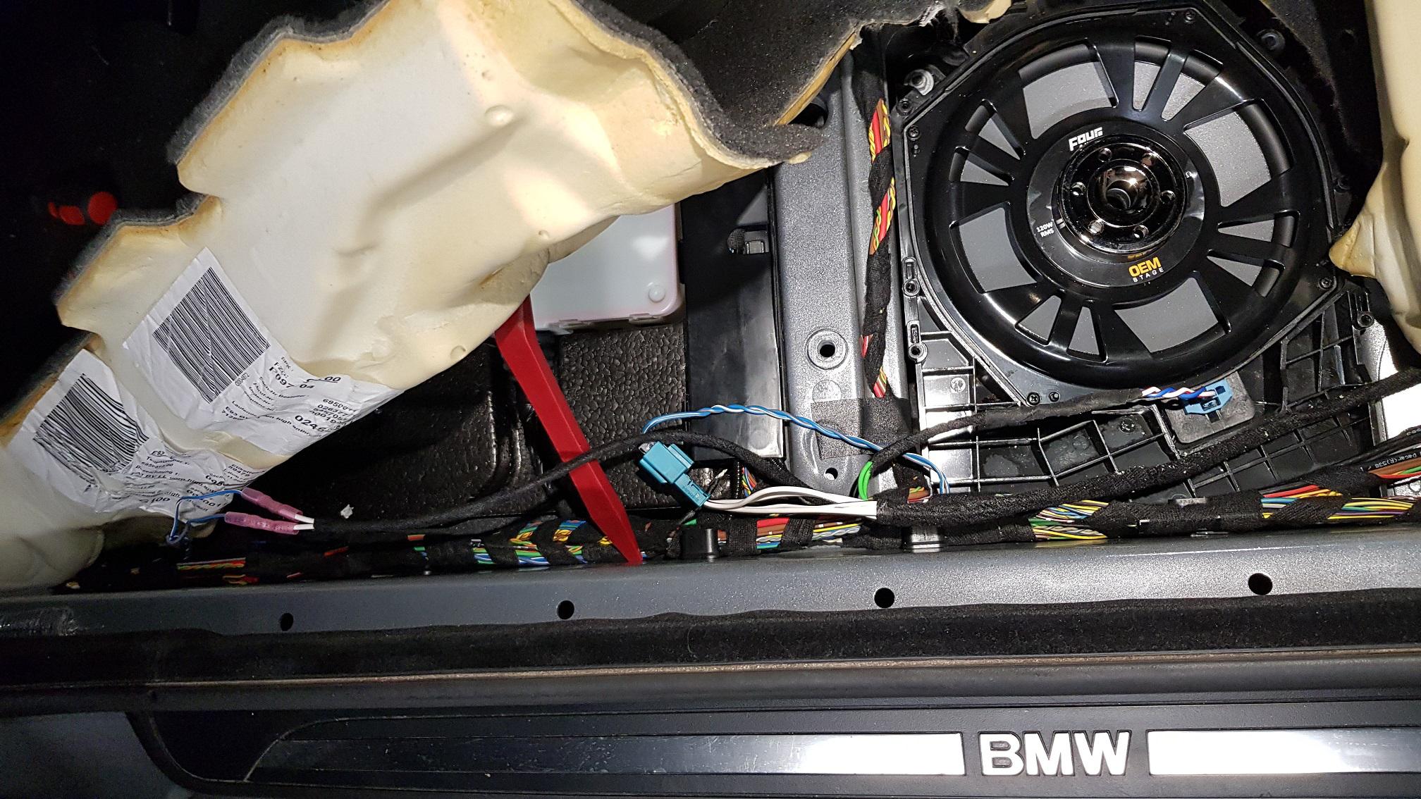 BMW E9x ja E6x Pre-LCI vahvistimen asennus perusaudioon