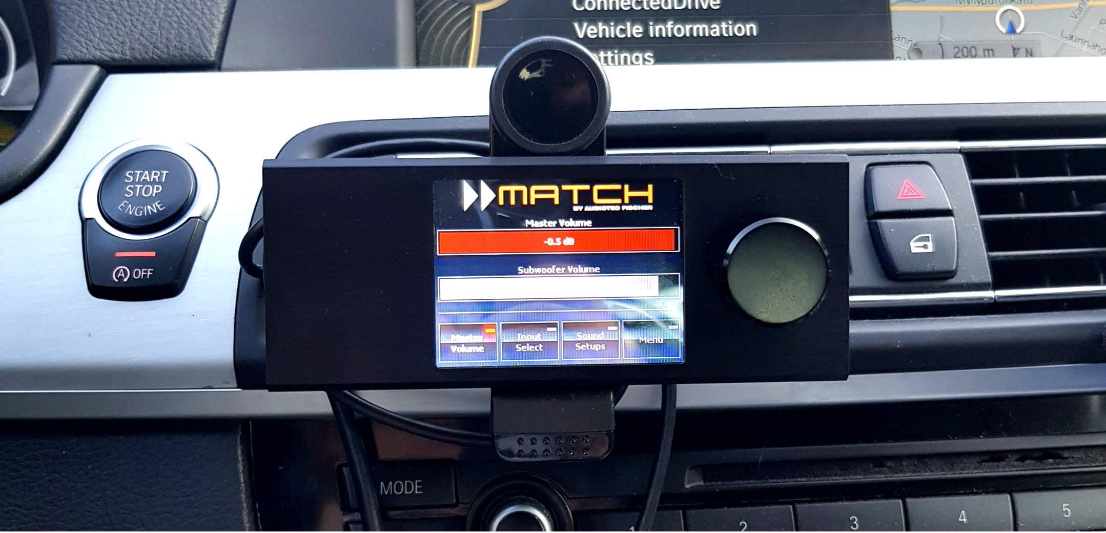 Testissä Match/Helix Director kosketusnäytöllinen kaukosäädin