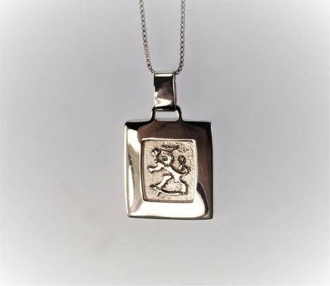 Finnish Lion emblem pendant