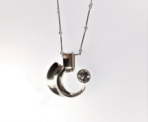 A stunning modernist silver necklace