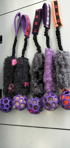BERRA Ultimate bungee toy with fake fur with lilac ball