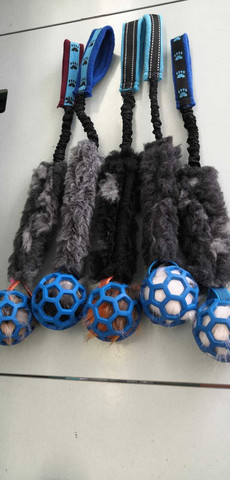 BERRA Ultimate bungee toy with fake fur with blue ball