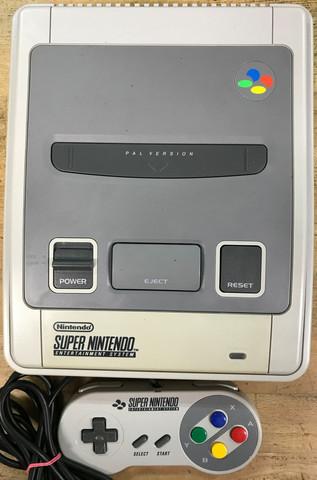 Super Nintendo -konsolipaketti