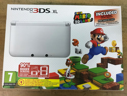 Nintendo 3DS XL + Super Mario 3D Land