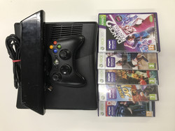 Xbox 360S + Kinect pelipaketti